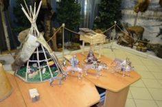 В музее открылась выставка эвенкийских кумаланов