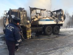 Уничтожен огнем автомобиль ДПС камаз сайгак